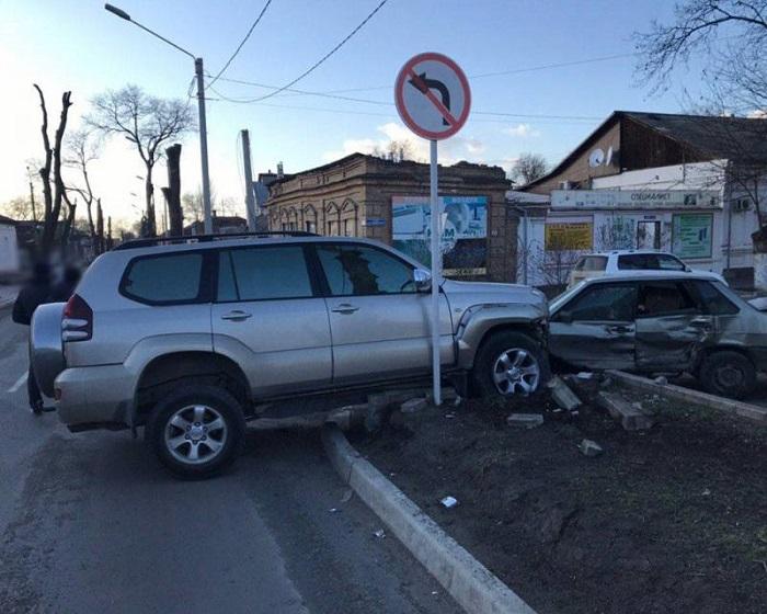 В Измаиле ДТП. Toyota Prado - ВАЗ. ФОТО