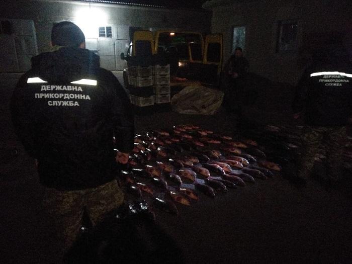 В Ренийском районе задержали бус, загруженный незаконным уловом. ФОТО