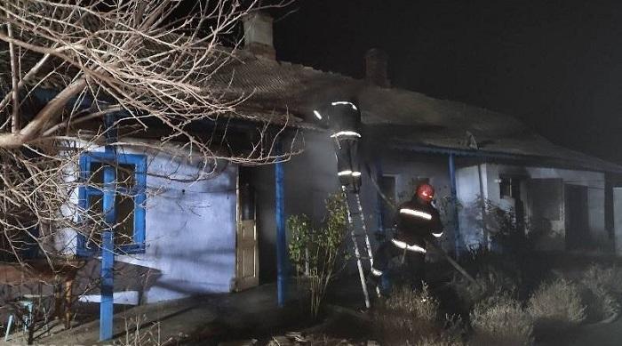 В Измаильском районе в пожаре погибли двое людей. ФОТО
