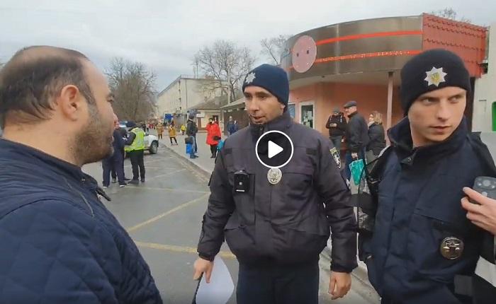 В Измаиле произошел конфликт патрульных полицейских с автолюбителями. ВИДЕО