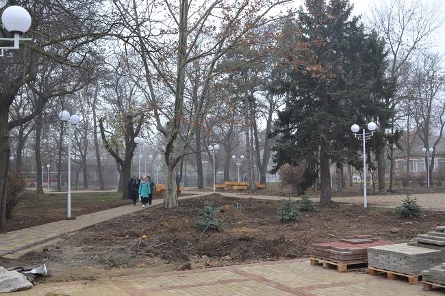 Триває благоустрій ізмаїльського Міського саду