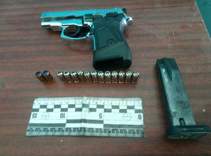Полицейские Измаила изъяли у мужчины пистолет и патроны
