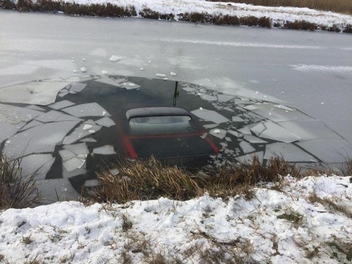 В Измаильском районе авто провалилось под лед