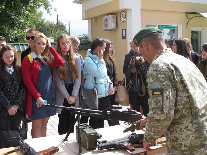 Измаильские школьники побывали в гостях у пограничников
