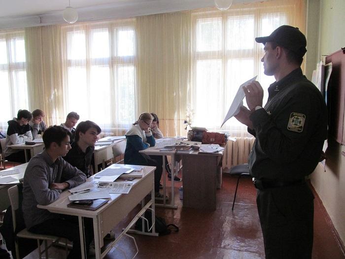 Пограничники провели профориентационную работу с выпускниками Измаильских школ