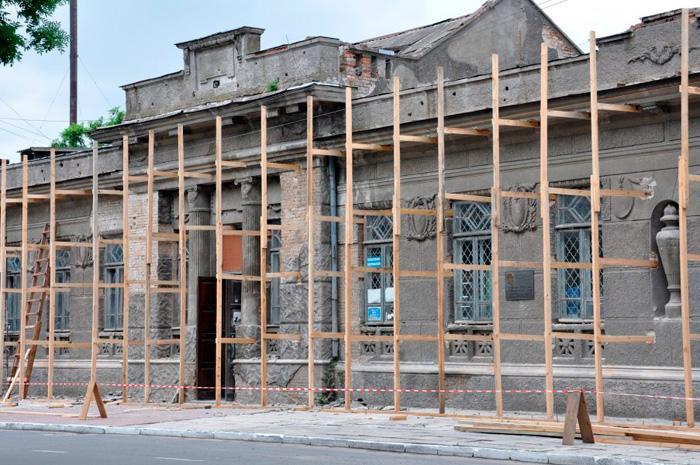 Здание бывшего кинотеатра «Победа» решили «законсервировать»