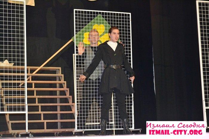 В Измаиле состоялся спекталь музыкально-драматического театра. ФОТО