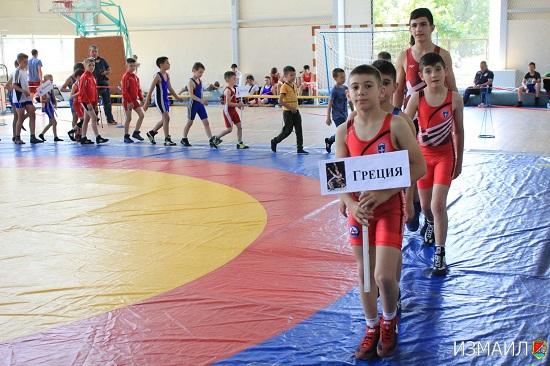 В Измаиле открылся турнир по вольной борьбе. ФОТО