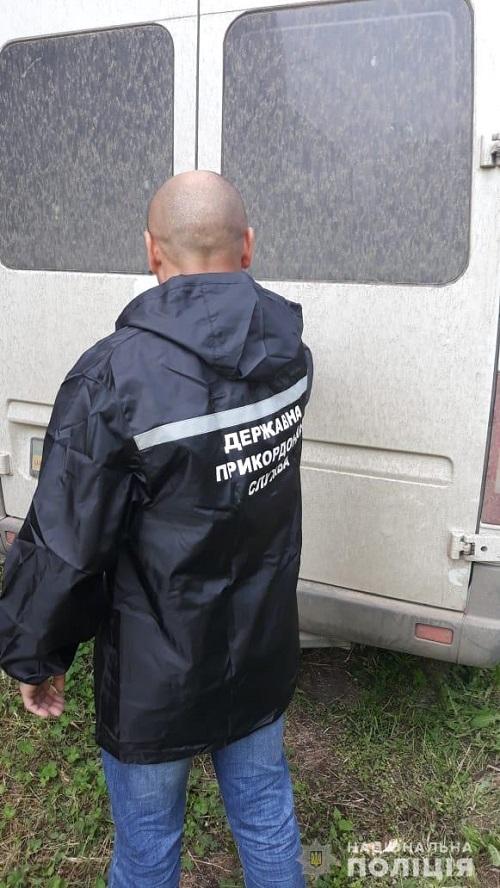 В Одесской области правоохранители изъяли около трех тонн контрафактного алкоголя