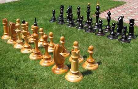 Большие шахматы для улицы. Активная игра