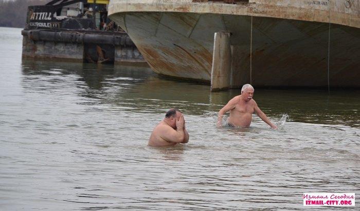 Измаильчане отметили Крещение Господне на городском пляже. ВИДЕО