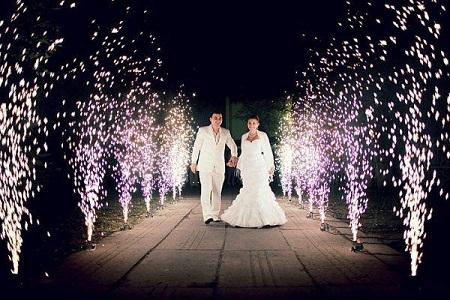 Холодный фонтан – оригинальный свадебный тренд