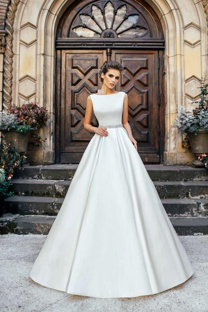 платье из атласа свадебное