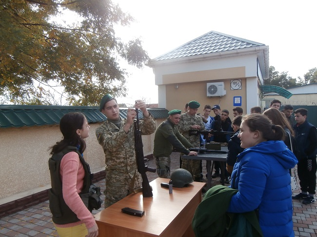 Школьники посетили пограничников в городе Измаил
