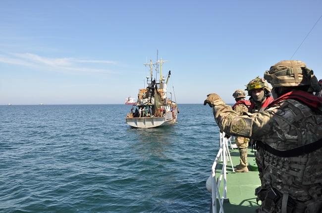 Пограничники Измаильского отряда предупреждают украинских рыбаков об опасности