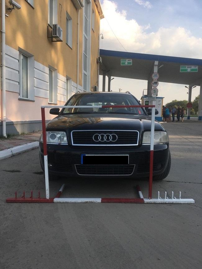 Пограничники Измаильского отряда обнаружили угнанный автомобиль по базе Интерпол