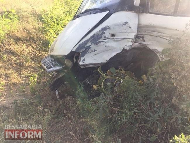 На трассе Одесса-Рени Range Rover протаранил Газель