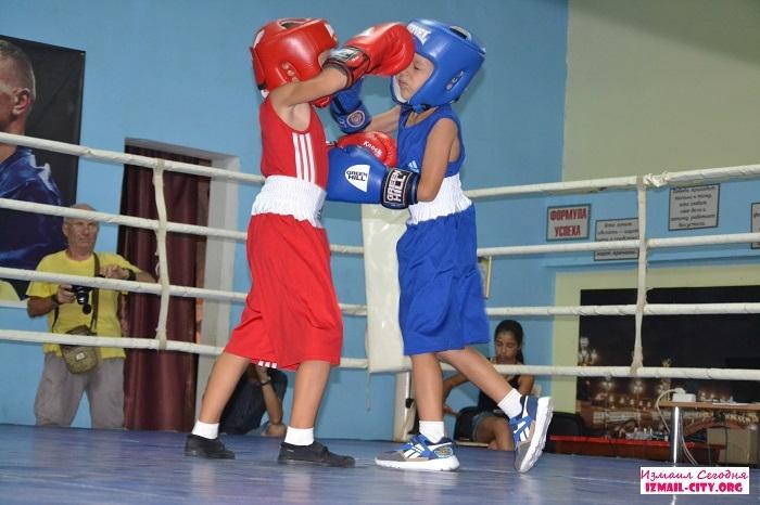 турнир по боксу Измаил