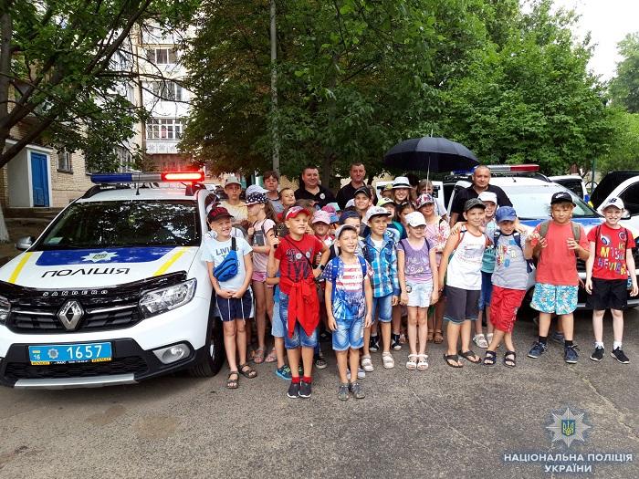 Измаильские правоохранители провели экскурсию для детей