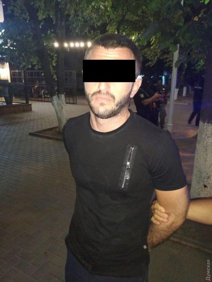 В Измаиле криминальных «авторитетов» уложили лицом в пол. ФОТО