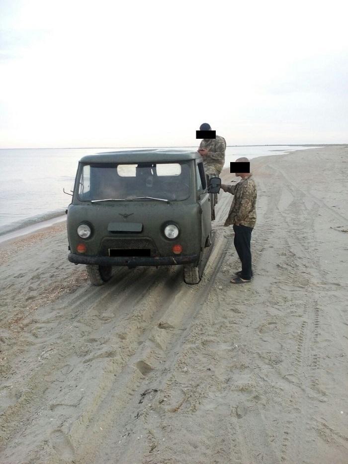 На озере Ялпуг и на побережье Черного моря пограничники задержали браконьеров с уловом на 16 тысяч гривен