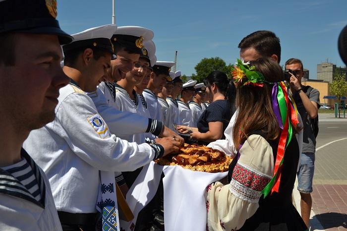 В Измаиле курсанты торжественно вышли на плавпрактику