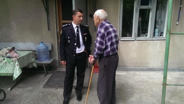 полиция Измаила поздравляет ветеранов