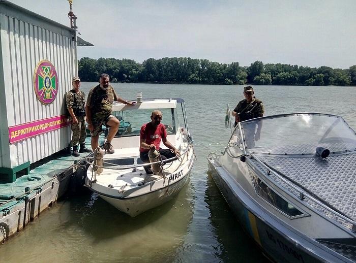 На Дунае были задержаны румыны-нарушители границы. ФОТО