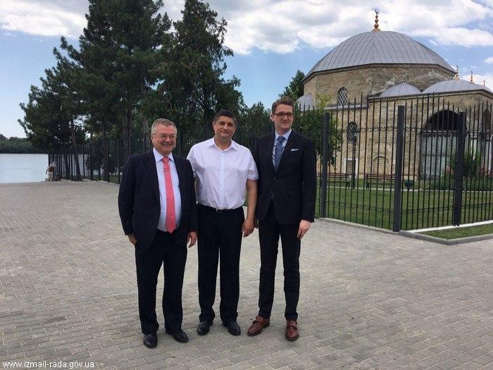 Измаил посетил посол Румынии
