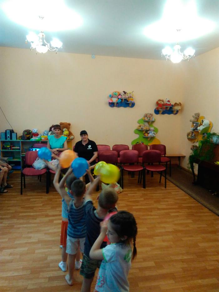 Полицейские Измаила поздравили детей с Днем защиты детей (ФОТО)
