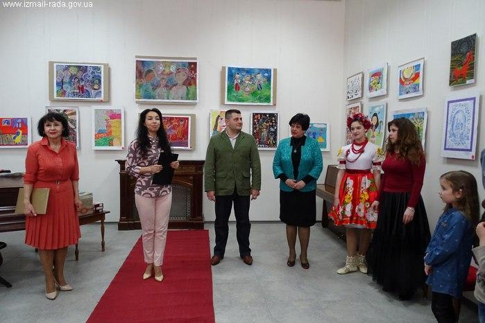 В галерее открылась детская выставка