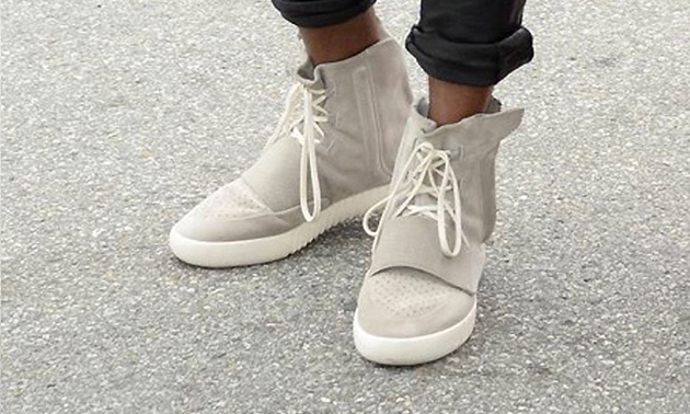 Новинка сезона - кроссовки Adidas Yeezy Boost