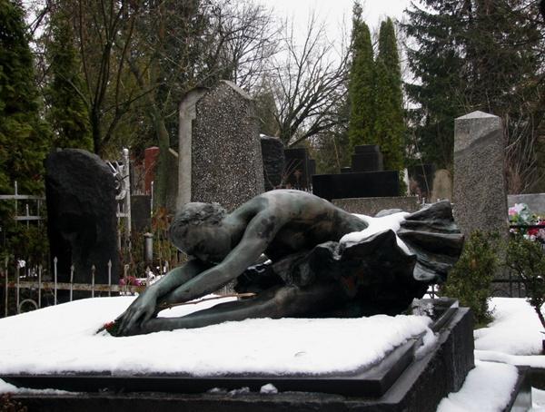 купить гранитные памятники от производителя в Киеве