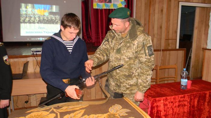 Спецназовцы Измаильского отряда посетили военно-морской лицей