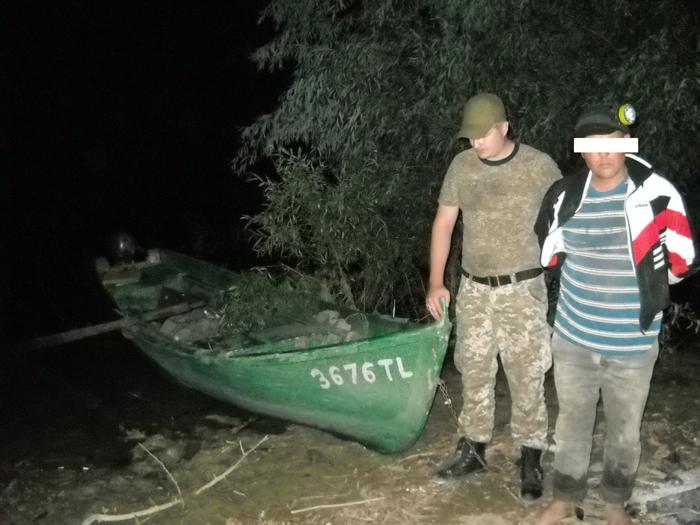 Пограничники Измаильского погранотряда задержали румына, который пытался ловить рыбу на украинской части Дуная