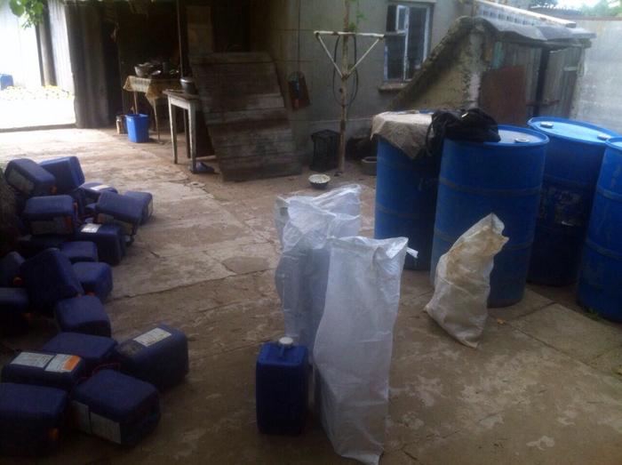 Измаильские пограничники выявили преступную схему по ввозу в Украину контрафактного алкоголя