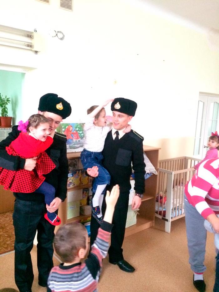 пограничники в Доме ребенка Измаил